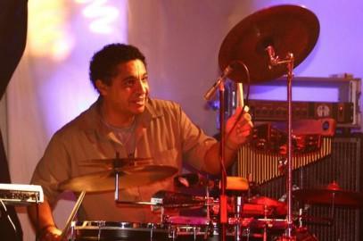 Band mit Percussion, Dalma Lima, Musiker buchen und Band mit Sänger für Veranstaltungen - Firmenveranstaltung, Betriebsfeier, Hochzeit.