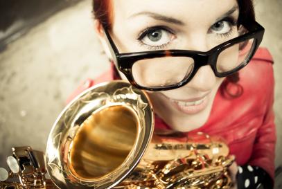 Saxophonist, Saxofonistin, Liveband Saxophon, Dj Saxofon, Band mit Saxofon