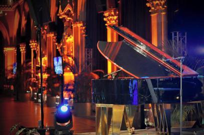DeineBand - Die Band mit Piano und Gesang für Loungemusik, Barmusik, Sängerin für Sektempfang, Hntergrundmusik für Firmenfeier und Weihnachtsfeier.